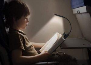 Leggere di notte-Lampada-da-lettura